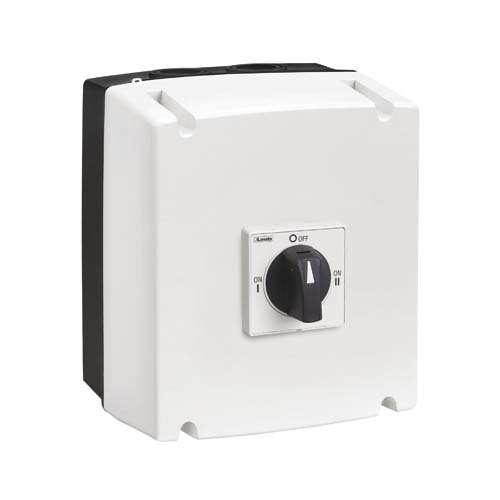 Changeover switches in UL/CSA Type 4/4X non-metallic enclosure