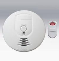 Kidde 21007781 - Ionization Sensor Smoke Alarm with Remote Control Hush -3 AA Battery Operated